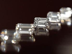 エメラルドカットダイヤモンド